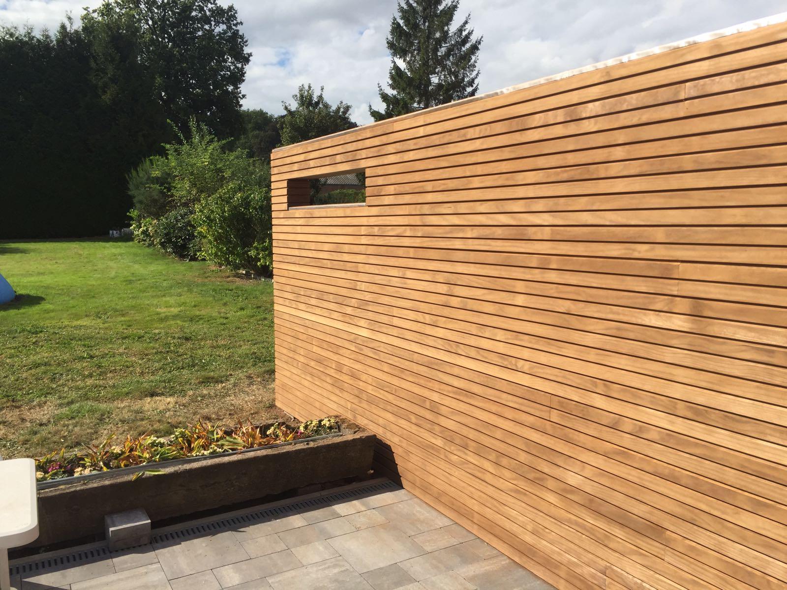 Scheidingswand tuinen in hout design by devos for Hout voor traptreden