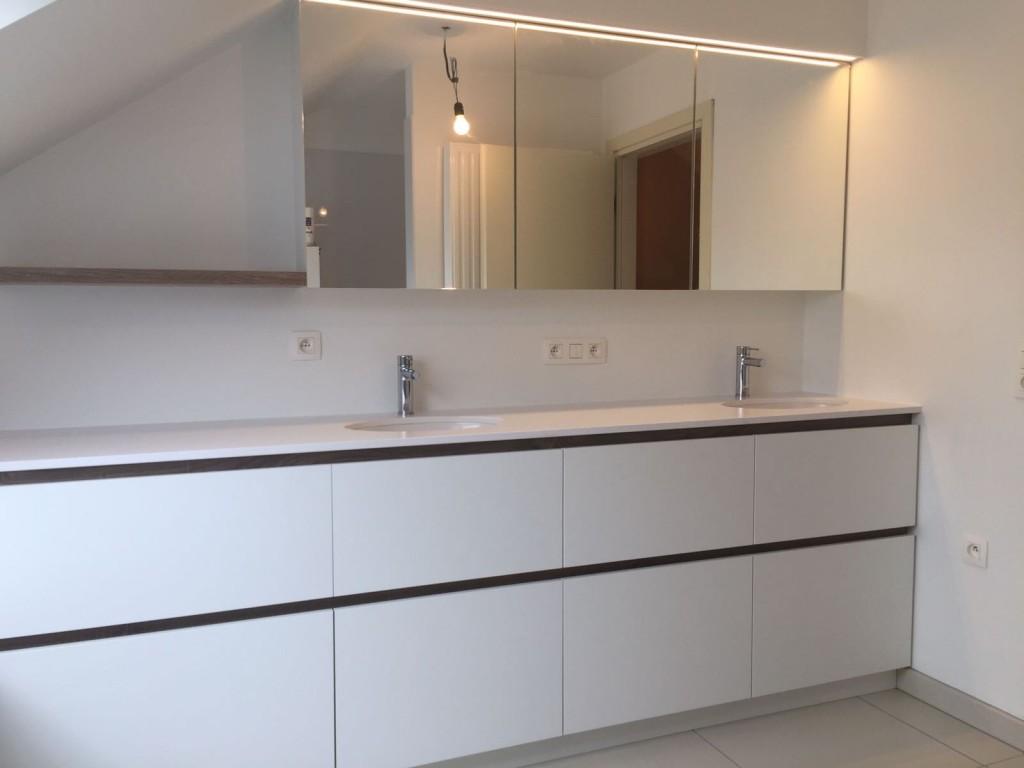 Badkamermeubel en spiegelkast